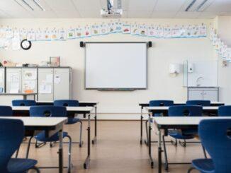"""Bilanz zum Halbjahreswechsel – Tonne: """"Schule unter Corona-Bedingungen ist richtig und wichtig, aber für alle Beteiligten eine riesige Herausforderung"""""""