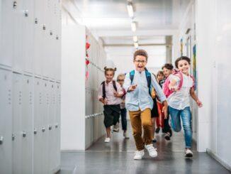 """Letzter Schultag im Schuljahr 2020/2021 – Tonne: """"Schülerinnen und Schüler können ausgesprochen stolz sein auf ihre Leistungen. Mein Dank gilt dem Schul- und Kitapersonal"""""""