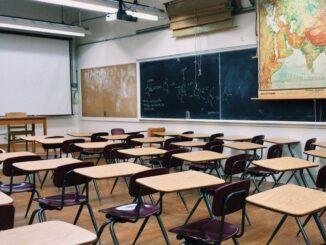 Kultusministerium und Volkshochschulen vereinbaren Zusammenarbeit im Ganztagsbereich